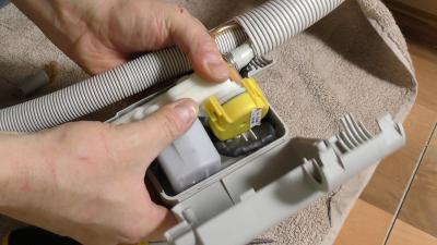 Geschirrspüler zieht kein Wasser - Aquastop Reparatursatz einbauen (Bosch / Siemens)