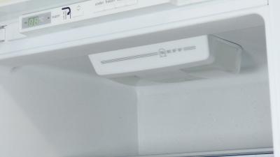 Kühlschrank bleibt dunkel - Lampe wechseln (Bosch / Siemens / Neff)