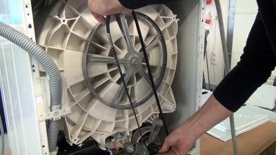 Waschmaschine: Keilriemen wechseln (Bauknecht /Whirlpool)