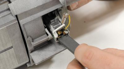 Waschmaschinenmotor - Motorkohlen ohne Halter tauschen (Bosch/ Siemens/ Constructa)