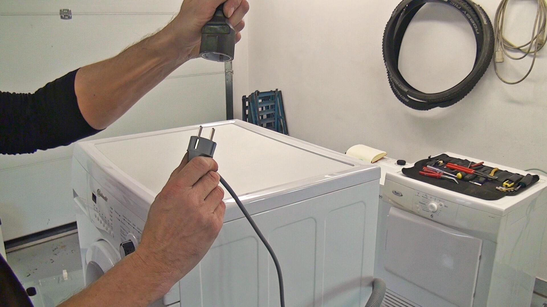 Waschmaschine vom Stromnetz trennen
