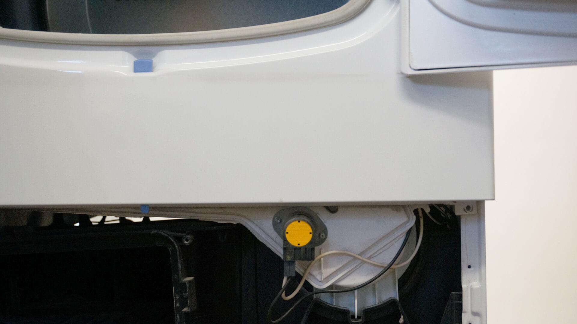 Position des vorderen Temperaturfühlers bei offener Frontblende