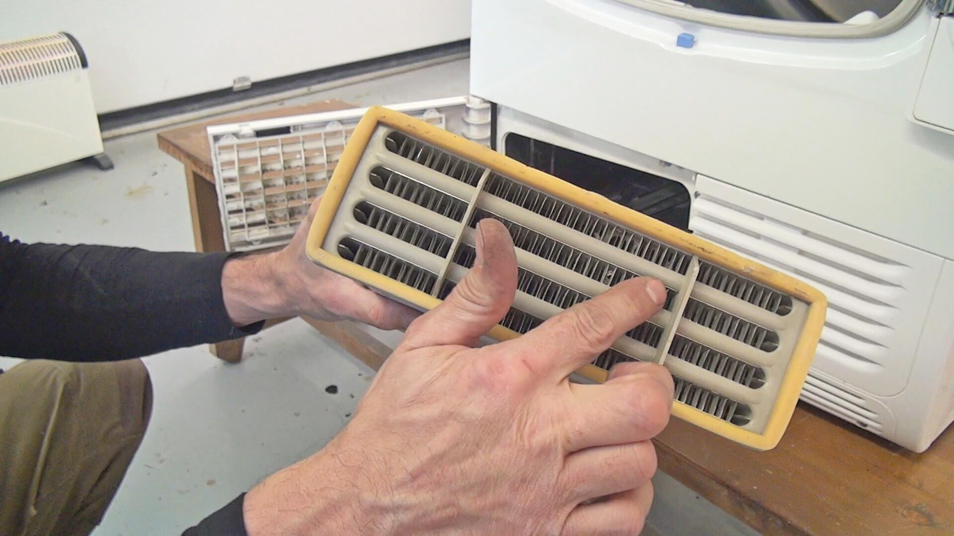 Kondensator reinigen / Lamellen reinigen